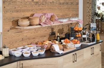 Frühstück und feine Kuchen im Café Christina