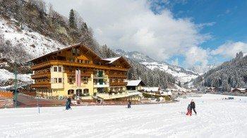 Vorderseite Winter Hotel