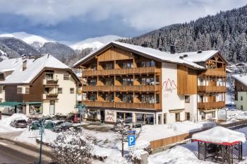 Hotel Moritz im Winter bei Tage