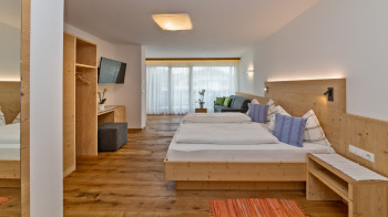 KomfortDoppelzimmer 30 m²  -    