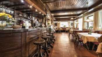 Bar - Kaffee - Restaurant