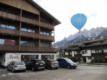 Hotel Moritz mit Heißluftballoon