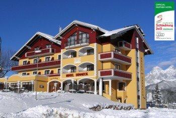 Hotel mit Dachstein