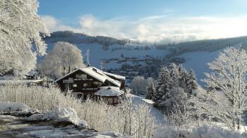 Hotel Sonnenalm im Winter mit Ost-Blick