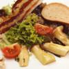 marinierte Kräuterseitlinge auf Blattsalat