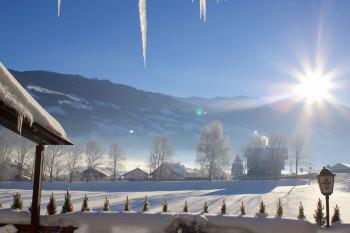 Blick beim Frühstück auf die Zillertaler Berge