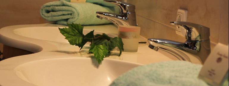 Badezimmer im mediteranen Stil