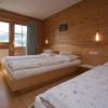 Elternschlafbereich hell und freundlich eingerichtet