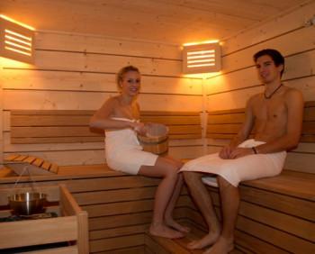 Eine heiße Sauna am Abend nach einen kalten Wintertag