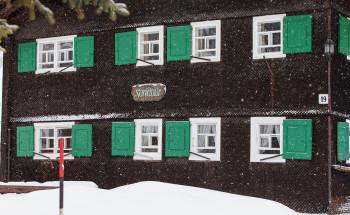 Es ist eines der ältesten authentisch erhaltenen Walserhäuser von Lech