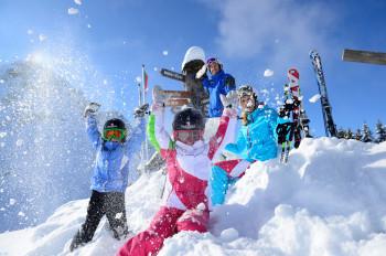 Spaß im Schnee - Familien Skirulaub Tirol