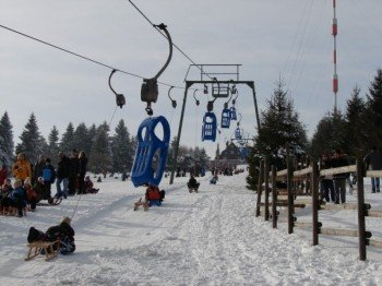 The toboggan lift in the Upper Harz saves its guests the tiresome ascent before every sledge run