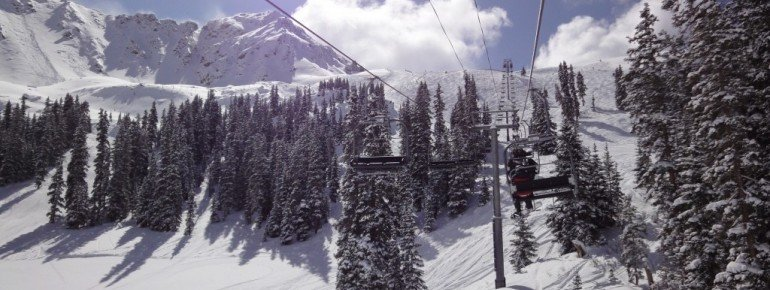 The upper part of the resort consists mainly of ungroomed slopes.
