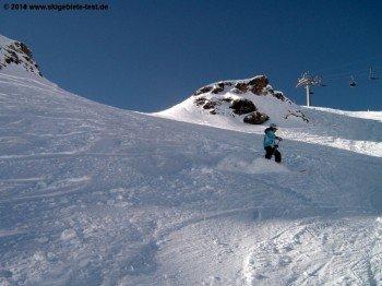 Freeriding on the slope Hörnli
