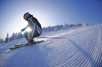 For sporty skiers there is a black marked downhill run in the ski area Braunlage Wurmberg.