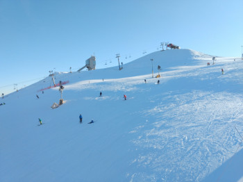 The steepest slopes of the resort provide space for more experienced skiers.