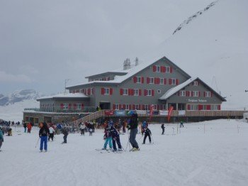 The mountain restaurant Jochpass is located on 2,207 m