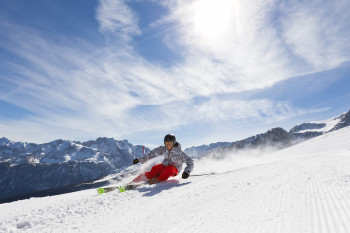 The resort Garmisch-Classic provides 40 piste kilometers (25 mi)!