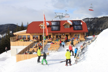 Après-Ski fun starts here at the mountain huts in Goldeck!
