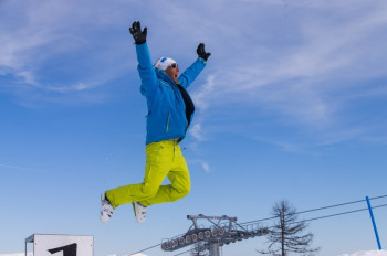 Enjoy fantastic slopes and a great atmosphere at Goldeck Resort!