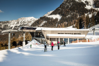 The Jennerbahn's new mid station alos contains a new restaurant.