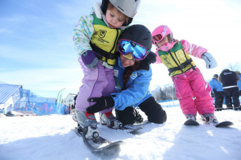 Killington is popular among groups of expert skiers and families alike as it features terrain for all ability levels.