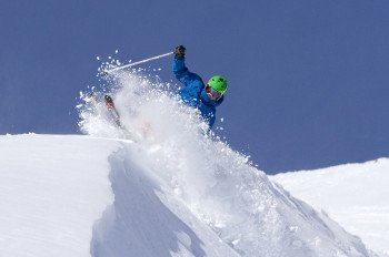 Due to the resort's plenty amount of runs, every skier will find their favorite slope in Lake Louise.