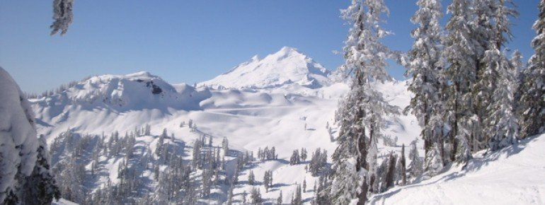 The mountains of Washington State are perfect for skiing.