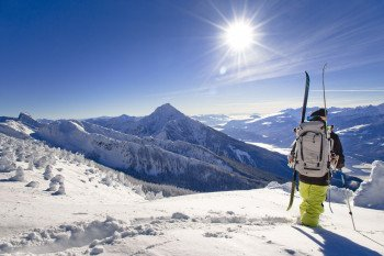 The ski resort in the heart of British Columbia is among Canada´s largest ski resorts and offers winter athletes more than 3.121 acres of groomed and ungroomed trails