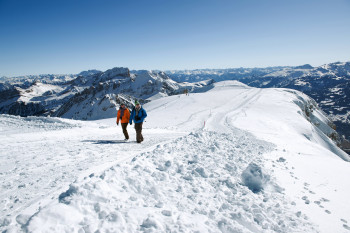 Chäserrugg's mountaintop also offers great opportunities for winter hikes.