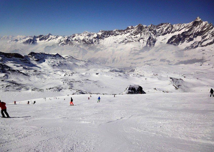 Family ski packages zermatt webcam