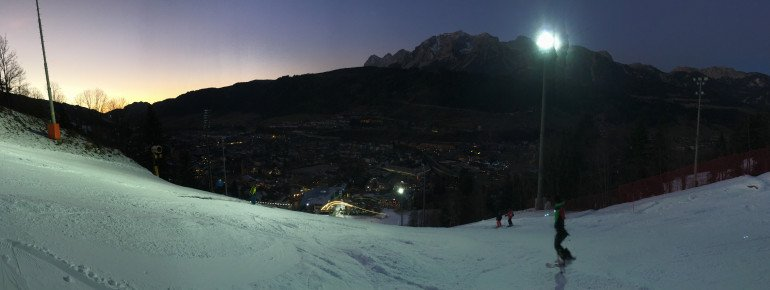 Einfach nur schön: Die 4 Berge Skischaukel erstreckt sich auf 20km von Ost nach West und bietet einen Traumblick auf den Hohen Dachstein.