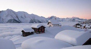 Die Kapelle Maria zum Schnee ist das Wahrzeichen der autofreien Bettmeralp.