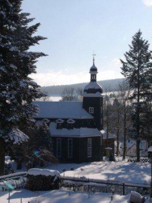 Blick auf die Dorfkirche Altenfeld