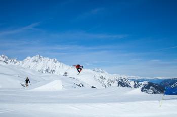 Der ACE Snowpark ist vor allem für erfahrene und Profi-Freestyler geeignet.