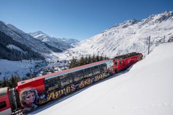 Der Après Ski Zug verkehrt zwischen Andermatt und Disentis.