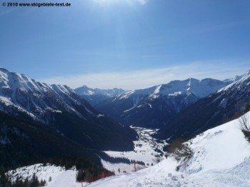 Blick ins Tal auf 1200 Höhenmetern.