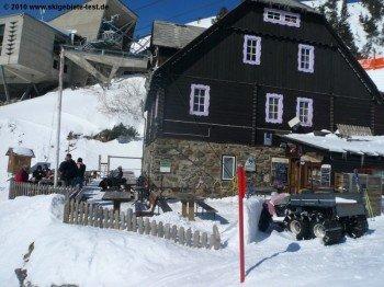 Alpengastwirtschaft Hochalmblick unterhalb der Mittelstation.