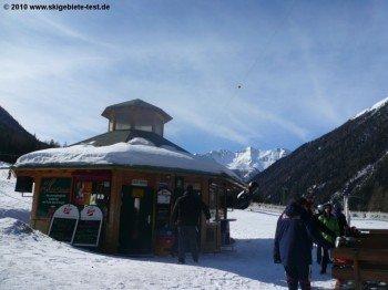Après Ski-Rondell Schi-Circus bei der Talstation.