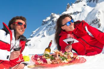 Im Restaurant Viel dal Pan mit Ausblick auf den Sellastock wird in einem eleganten und privaten Ambiente italienische Küche vom Feinsten serviert.