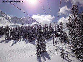 Im oberen Bereich des Skigebiets befinden sich überwiegend unpräparierte Hänge.