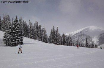 Einige Passagen der Wrangler Abfahrt sind schon fast zu flach für Snowboarder.