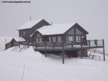 Das höchstgelegene Bergrestaurant im Skigebiet: Das Snow Plume Refuge an der Bergstation des Norway Lifts.