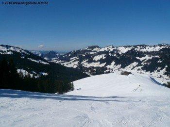 Panorama vom Hochschelpen (1564 m) in Richtung Bregenzer Wald!