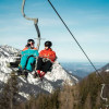Die GÖTSCHENKOPFBAHN (3er-Sessel) bringt die Wintersportler bequem zur Bergstation