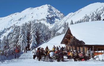 Die Hochalm oberhalb von Bichlbach bietet sich für eine Mittagspause hervorragend an.