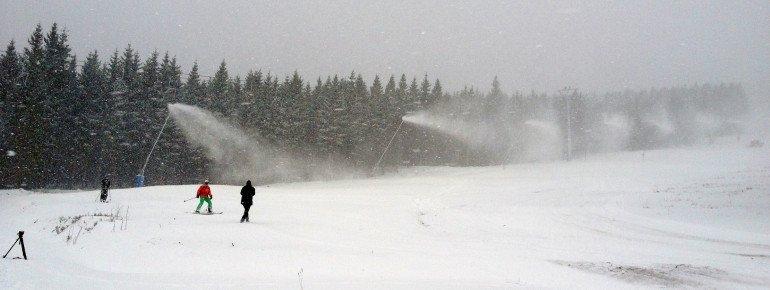 Beschneiungsanlagen garantieren den Skispaß am Wurmberg