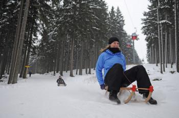 Nach dem Skifahren bietet sich eine Fahrt mit dem Schlitten an