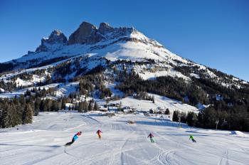 Carezza Dolomites hat überdurchschnittlich viele Sonnenstunden und ein tolles Panorama.