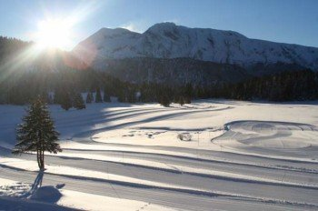 Die winterliche Landschaft rund um Chamrousse lässt sich beim Langlaufen erkunden